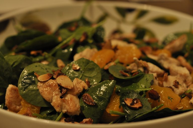 How to make spinach salad with mandarin oranges