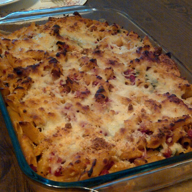 Baked Pasta and Chicken Sausage Casserole Recipe that is really easy to make and feeds a lot of people.