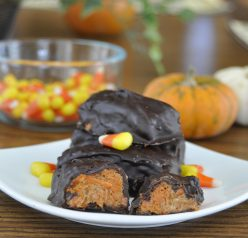 3 Ingredient Homemade Butterfingers Recipe. Make your own candy for Halloween!