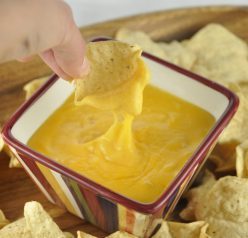 Beer Cheese Fondue Dip. Perfect for your Super Bown party or potluck!