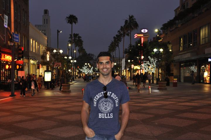 Visiting the Santa Monica Pier on vacation in California - Third Street Promenade