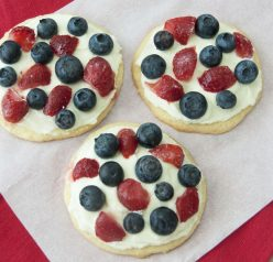 Fruit Pizzas for 4th of July or Memorial Day. Very festive and patriotic!