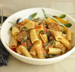 Tomato & Spinach Pasta Toss Recipe. Healthy and easy!