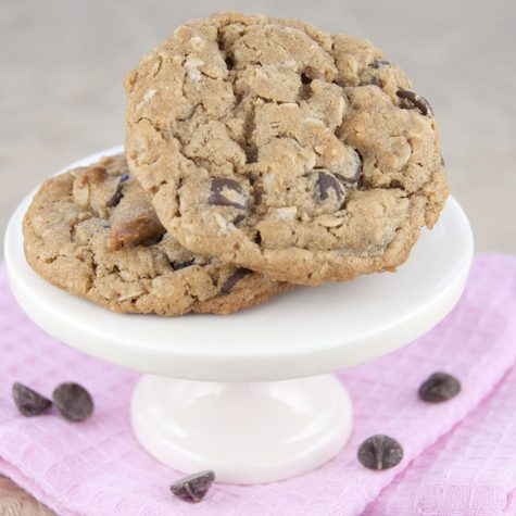 Peanut Butter Chocolate Chip Oatmeal Cookies Recipe made with whole wheat flour