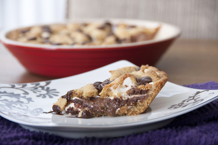 S'mores Pie Recipe with a graham cracker crust and marshmallow creme