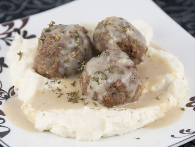 Meatballs with Creamy Beef Gravy Recipe