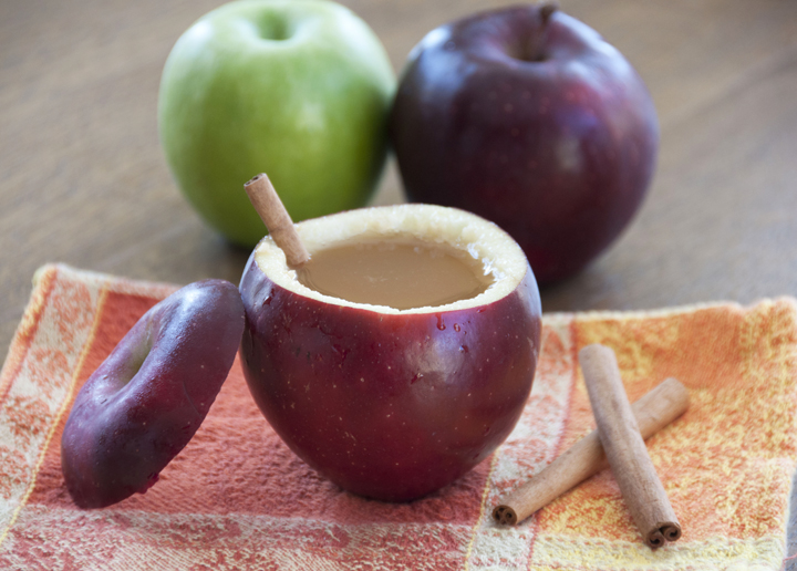 Crock Pot Spiced Hot Apple Cider Recipe. Great for a party, Thanksgiving, Potluck or Christmas!