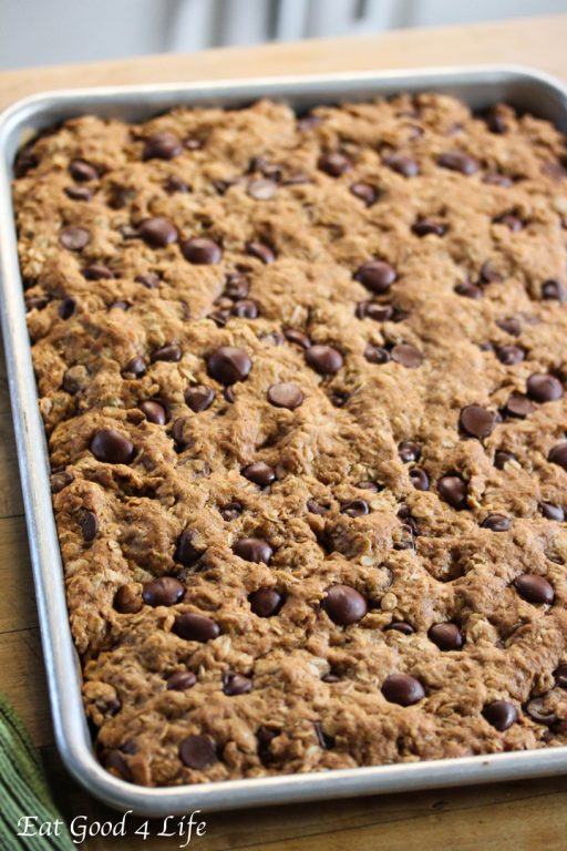-in-your-mouth Dark Chocolate and Oatmeal Bars are a healthy cookie ...