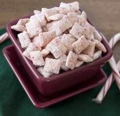 Candy Cane Puppy Chow Recipe (also known as muddy buddies or Trash). Great Christmas idea!