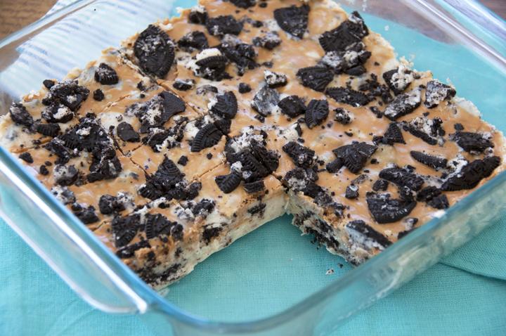 Oreo Peanut Butter Swirl White Chocolate Fudge Recipe.  Great for holidays.