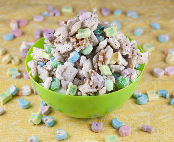 Leprechaun Bait Chex Mix Recipe for St. Patty's Day holiday www.wishesndishes.com