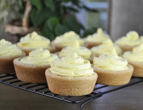 Giant-Lemon-Mousse-Sugar-Cookie-Cups-dessert-recipe (1)