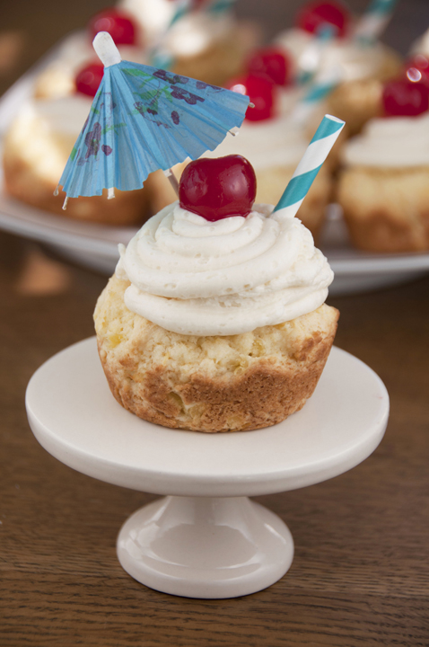 Giant Pina Colada Cookie Cups dessert recipe have the best flavors of summer: pineapple and coconut. Great for Cinco de Mayo!
