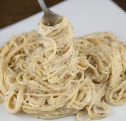 Homemade Pasta Roni recipe or creamy garlic noodles. Perfect main course or side dish.