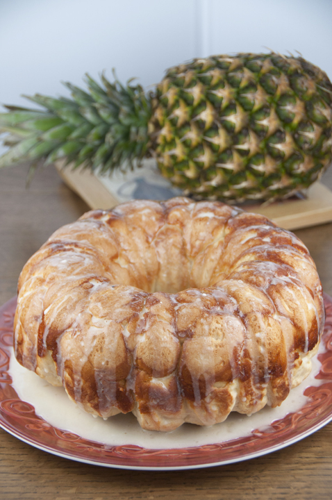 TThis pineapple and coconut Hawaiian bubble bread (also known as pull-apart bread, or monkey bread) is one of the easiest and best tasting recipes for breakfast, brunch, snack, or dessert!