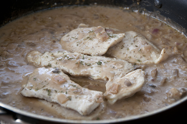 It only takes 30 minutes to prepare this Chicken and mushrooms in a light balsamic cream sauce with onions and garlic.  Quick and easy!