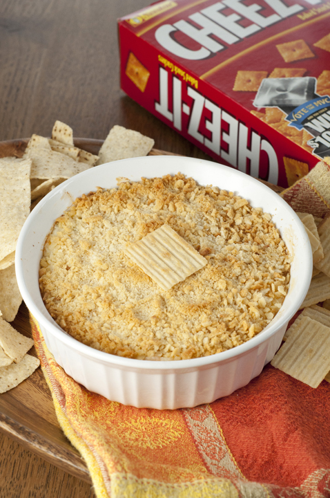 Easy Cheez-It Crusted Jalepeño Popper Dip with a Cheez-It cracker crust.