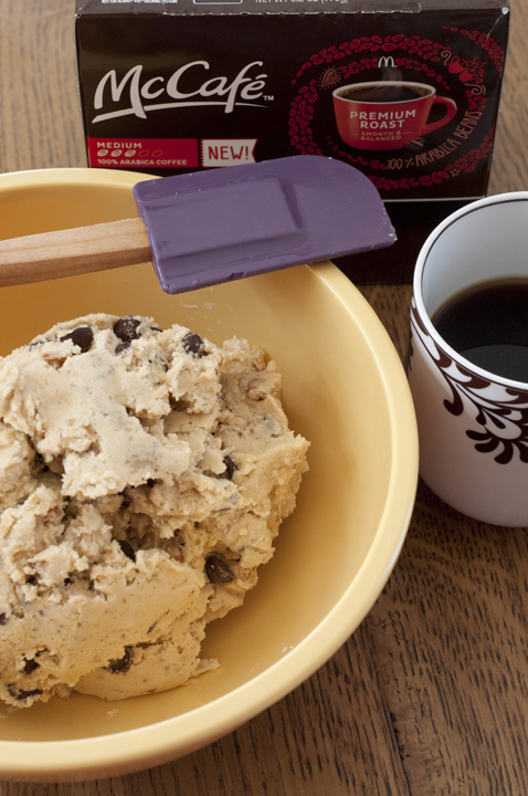 The steps in making chocolate chip cookies with coffee.
