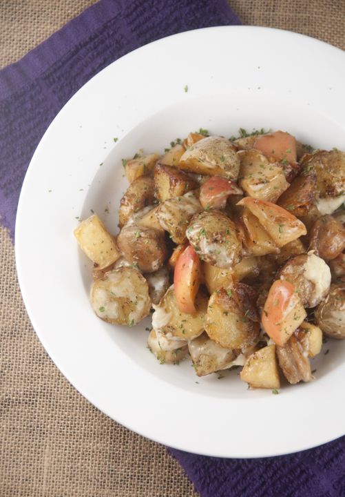This is a wonderful Potato, Apple and Chicken Sausage bake for anyone who loves a good meat and potatoes meal.  A delicious midweek meal with minimal effort but maximum taste!
