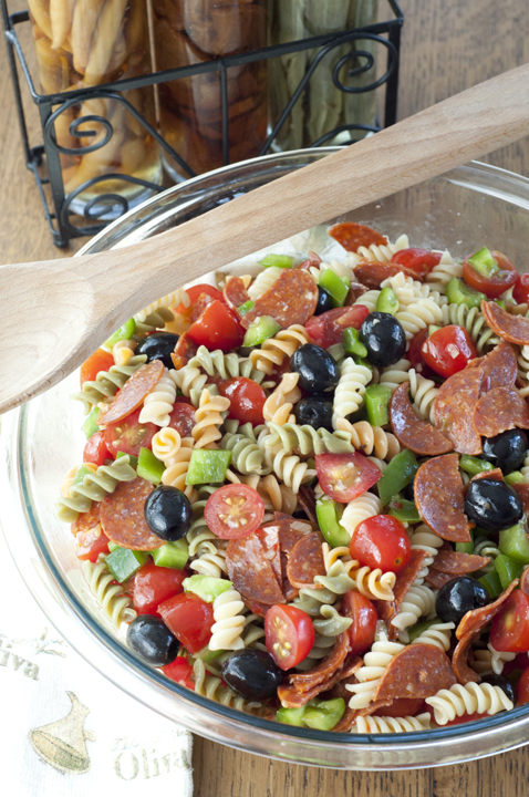 Classic Italian Pasta Salad {Wishes & Dishes} - 19+ of the BEST Summer Potluck Recipes Roundup
