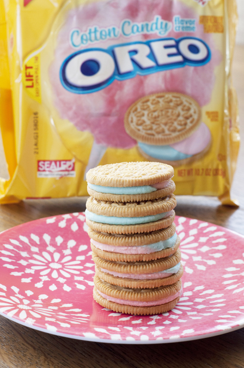 Cotton Candy Limited Edition Oreos