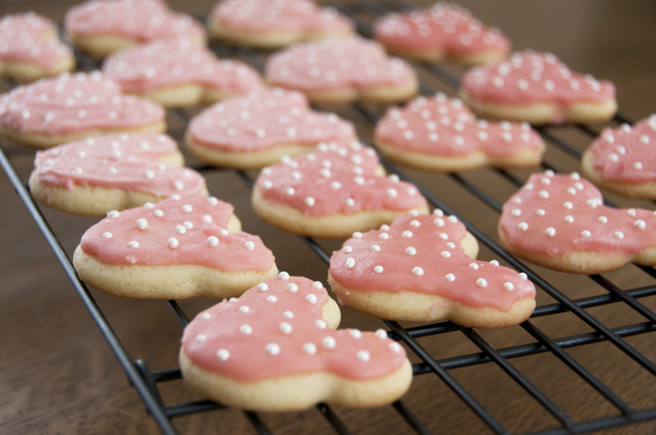 Disney Minnie Mouse sugar cookies are easy and delicious for a child's birthday party, baby shower, or just for fun.