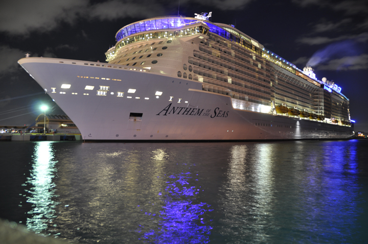 Anthem of the Seas at nigh