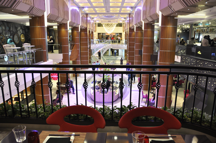 Royal Promenade, Anthem of the Seas