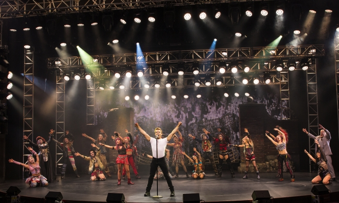 We Will Rock you show, Anthem of the Seas