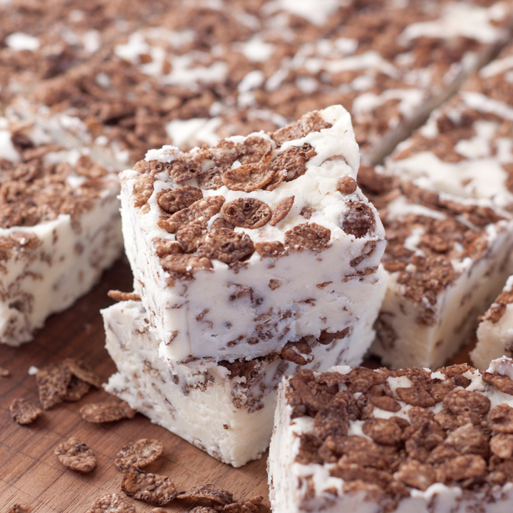 White Chocolate Cocoa Pebbles Fudge Wishes And Dishes