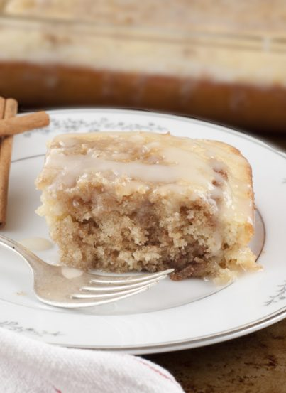 This made from scratch Cinnamon Roll Cake recipe is the taste of cinnamon buns in a fraction of the time! This cake is absolutely delicious.