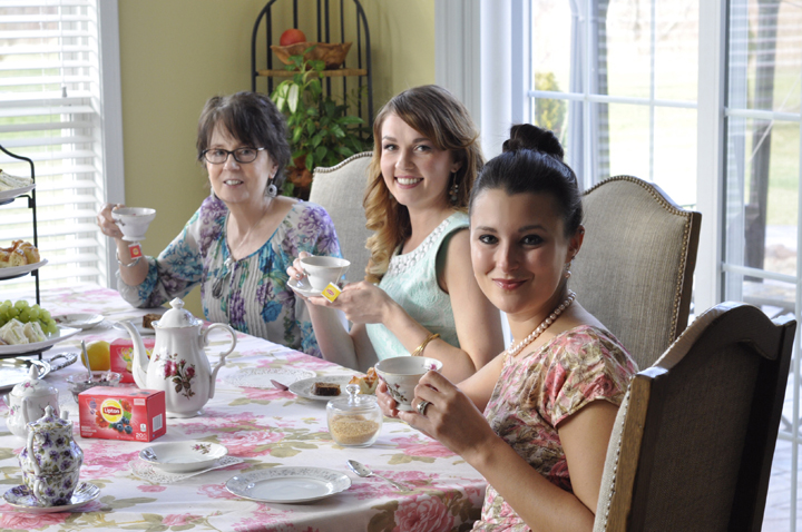 Tips for throwing an afternoon tea party for friends and family.