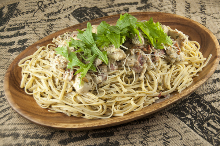 This Chicken Bellagio dinner recipe is a copy-cat of the popular Cheesecake Factory chicken and pasta dish with crispy, juicy pan-fried chicken, spaghetti coated in a creamy Parmesan pesto cream sauce and topped with prosciutto and arugula!