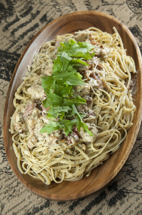Creamy Chicken Bellagio dinner Cheesecake Factory recipe is chicken and pasta dish with crispy, juicy pan-fried chicken, spaghetti coated in a creamy Parmesan pesto cream sauce and topped with prosciutto and arugula!