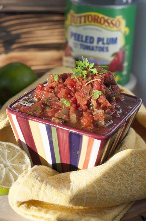 Quick and Easy 5 Minute Restaurant-Style Blender Salsa recipe is a simple and fresh homemade salsa perfect for any time you want a great appetizer, snack or sauce for a party or Mexican night!