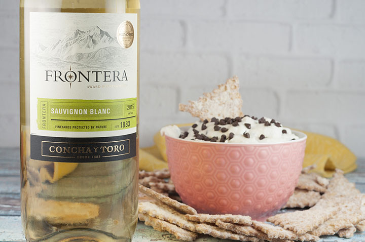 Frontera Sauvignon Blanc wine and Easy Cannoli Dip recipe made with just 6 ingredients is a deconstructed version of an Italian cannoli in a sweet, creamy dessert dip form that you're sure to love for any party!