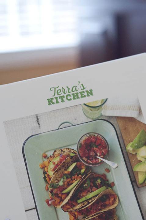 """Terra's Kitchen meal subscriptions focus on delivery technology to conveniently bring you healthy, fresh, prepped ingredients in an innovative climate-controlled """"refrigerator"""" type vessel with shelves."""