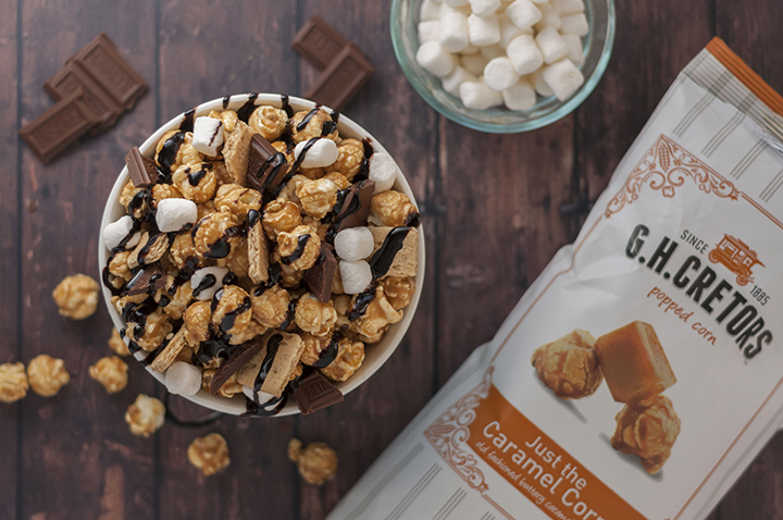 Caramel S'mores Popcorn snack recipe is the perfect movie night or summer snack made quickly by using G.H. Cretors caramel popcorn! This would be great for kids' parties!