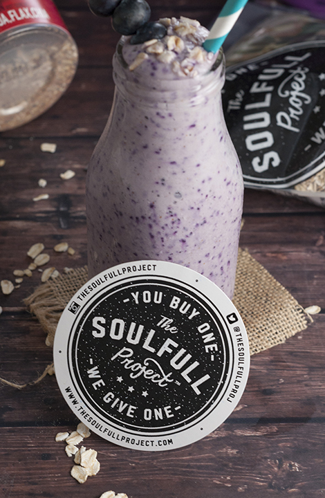 This creamy, healthy, gluten-free, Blueberry Muffin Smoothie recipe has the delicious tastes of blueberry and oatmeal all in one healthy, wholesome breakfast smoothie!