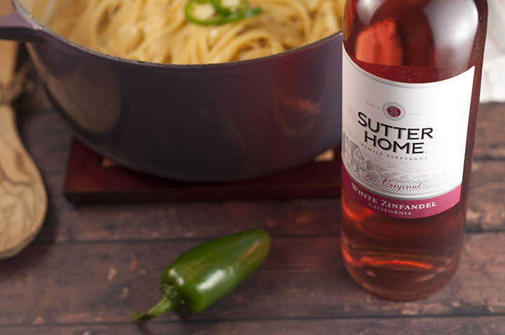Sutter Home White Zinfandel went perfectly with this One Pot Creamy Jalapeño Popper Pasta, but would also go very well with a good Asian or Mexican meal that provides a niceburst of heat.
