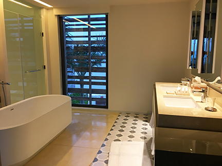 Bathroom, bi-level suite, Andaz Mayakoba.