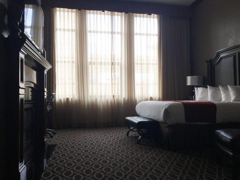 Des Lux Hotel room, Des Moines, Iowa.