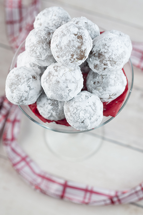 Quick and Easy Christmas Rum Balls are sweet, dense, and the perfect addition to your holiday dessert trays! This traditional recipe will have all of the adults asking for the recipe!