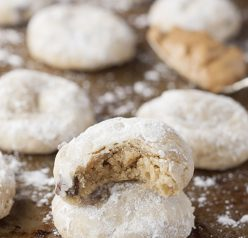 Peanut Butter Chocolate Soft & Chewy Crinkle Cookies recipe packed with peanut butter and chocolate chips are your new favorite holiday Christmas cookie to add to your dessert trays!