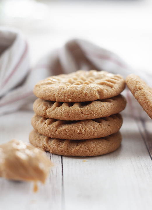 Soft 3 Ingredient Peanut Butter Cookies: fast, easy gluten-free dessert recipe you can throw together for company with just a few steps and simple ingredients!