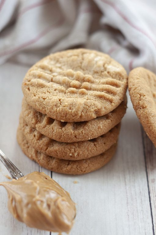 3 Ingredient Peanut Butter Cookies: fast, easy gluten-free dessert recipe you can throw together for company with just a few steps and simple ingredients!