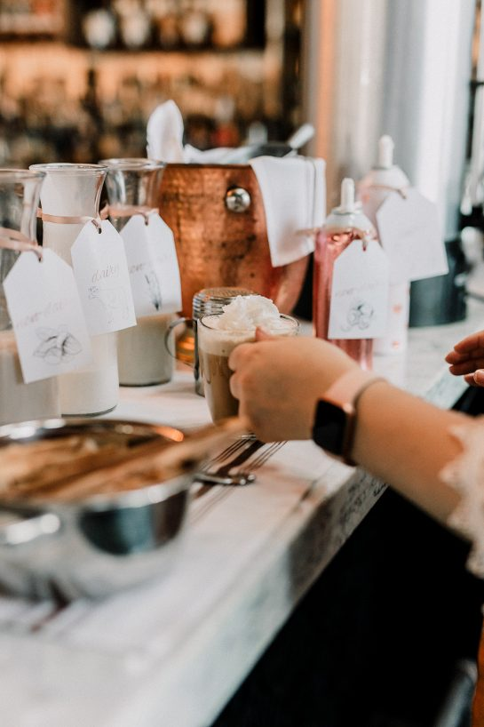 Simple tips and tricks for Setting up a Coffee Bar for your Party! Invite a few freinds over and host a casual coffee bar party right at home or set it up for a large birthday party or wedding!