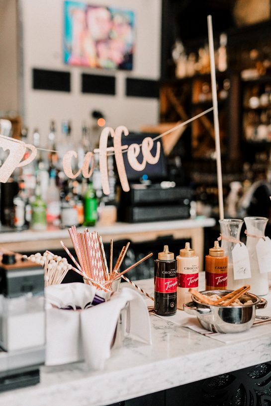 My tips and tricks for Setting up a Coffee Bar for your Party! Invite a few freinds over and host a casual coffee bar party right at home or set it up for a large birthday party!