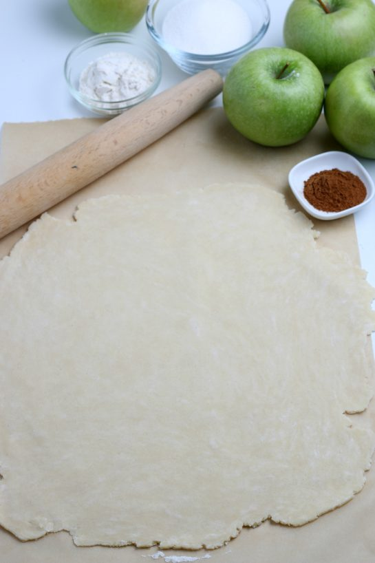The pie crust dough rolled out for the apple crostata recipe