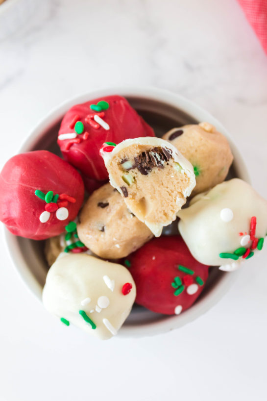 Christmas Edible Cookie Dough Balls recipe is so easy to make, made with no eggs, and especially perfect for holiday dessert trays!